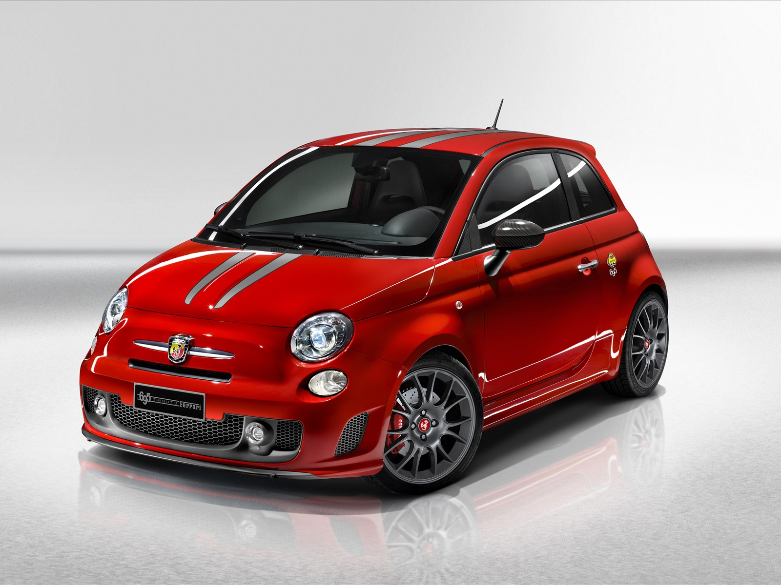 one day test fiat 500 abarth 695 tributo ferrari. Black Bedroom Furniture Sets. Home Design Ideas