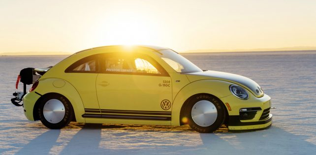 VW Beetle rocks Bonneville with 328 km/h speed run
